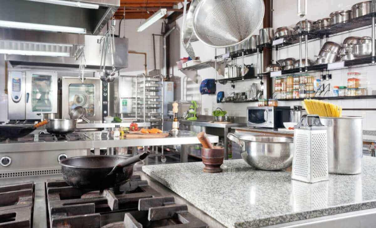 Checklist de regulamentações da ANVISA para mercado alimentício