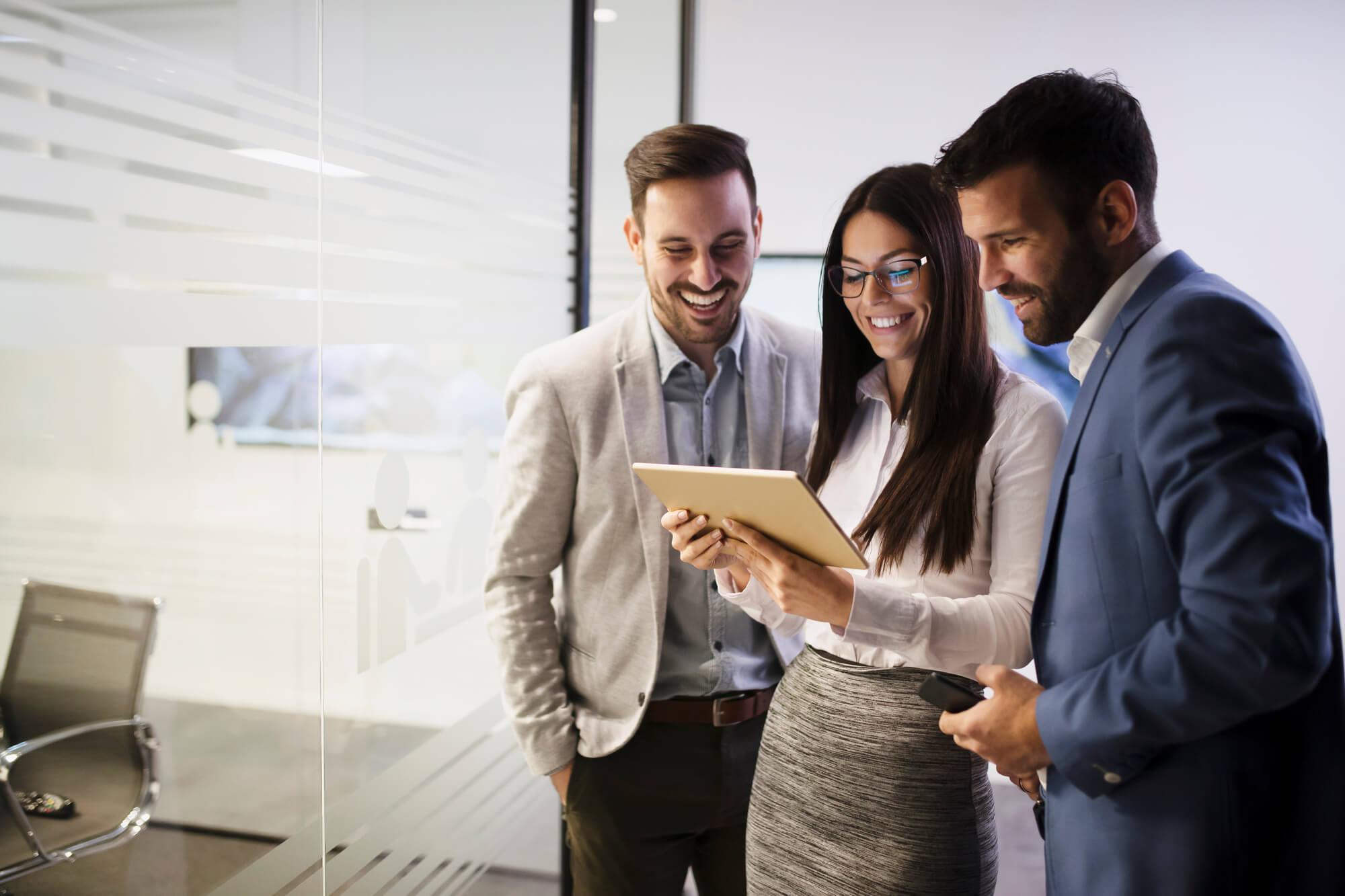 Conheça os usos de uma plataforma de checklist, os benefícios e confira cases de sucesso