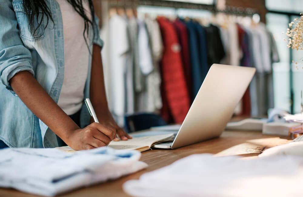 Precisa de ajuda na gestão de dívidas em lojas? Veja 4 possíveis erros para evitá-los